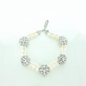 Diamante and Pearl necklace